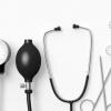الأجهزة  و المعدات الطبية